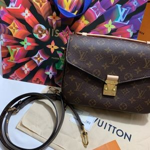 ✨BRAND NEW LOUIS VUITTON POCHETTE METIS🤎